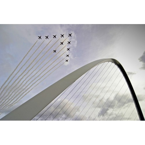 Millennium Bridge - Red Arrows